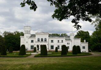 pałac niedaleko Poznania, wycieczki po wielkopolsce, Wielkopolska atrakcje,