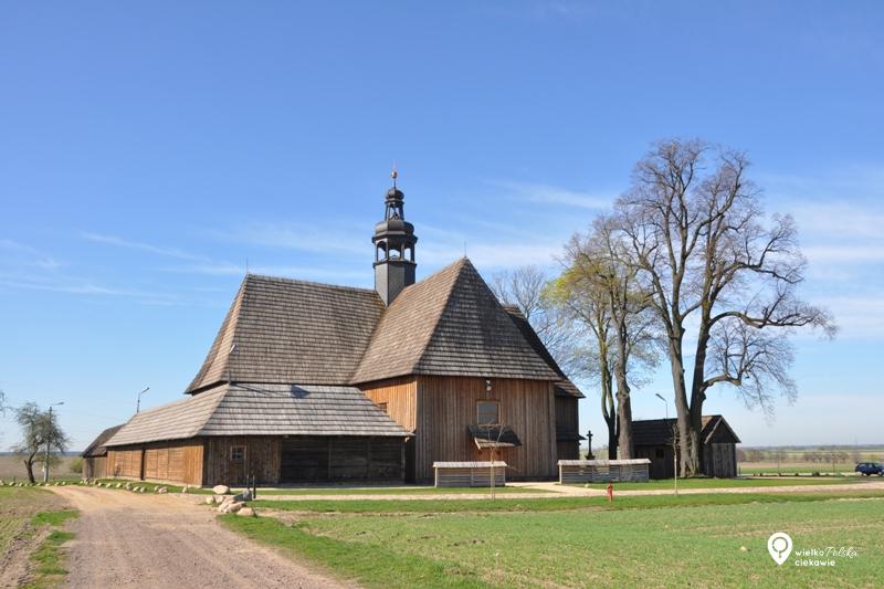 Kościół drewniany, kościół w bralinie na pólku, wielkopolska atrakcje, ciekawe miejsca w wielkopolsce