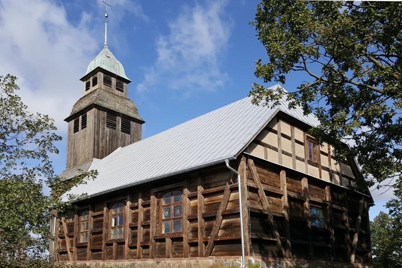 drewniany kościół, nowe dwory, olędrzy, wielkopolska atrakcje, ciekawe miejsca w wielkopolsce