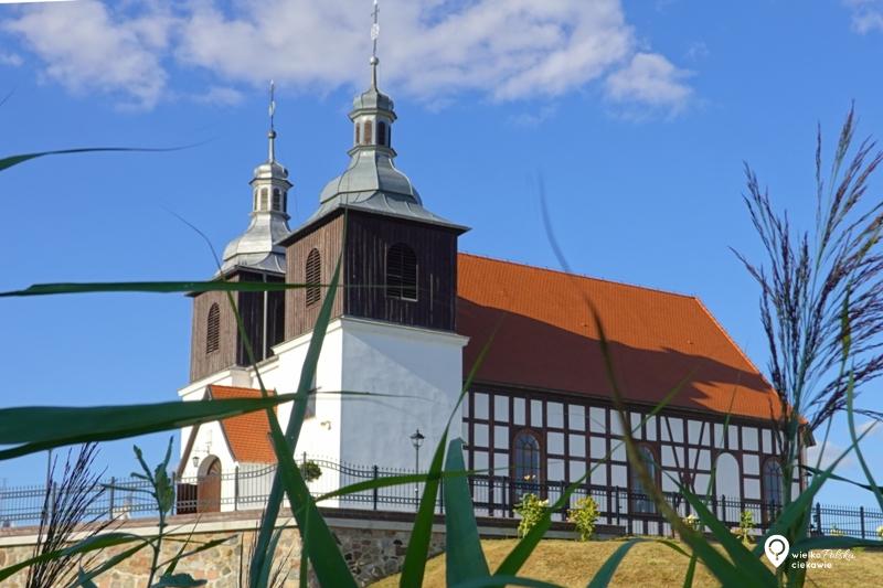 Skoki, drewniany kościół, puszcza zielonka, ciekawe miejsca wielkopolsce, wielkopolska atrakcje